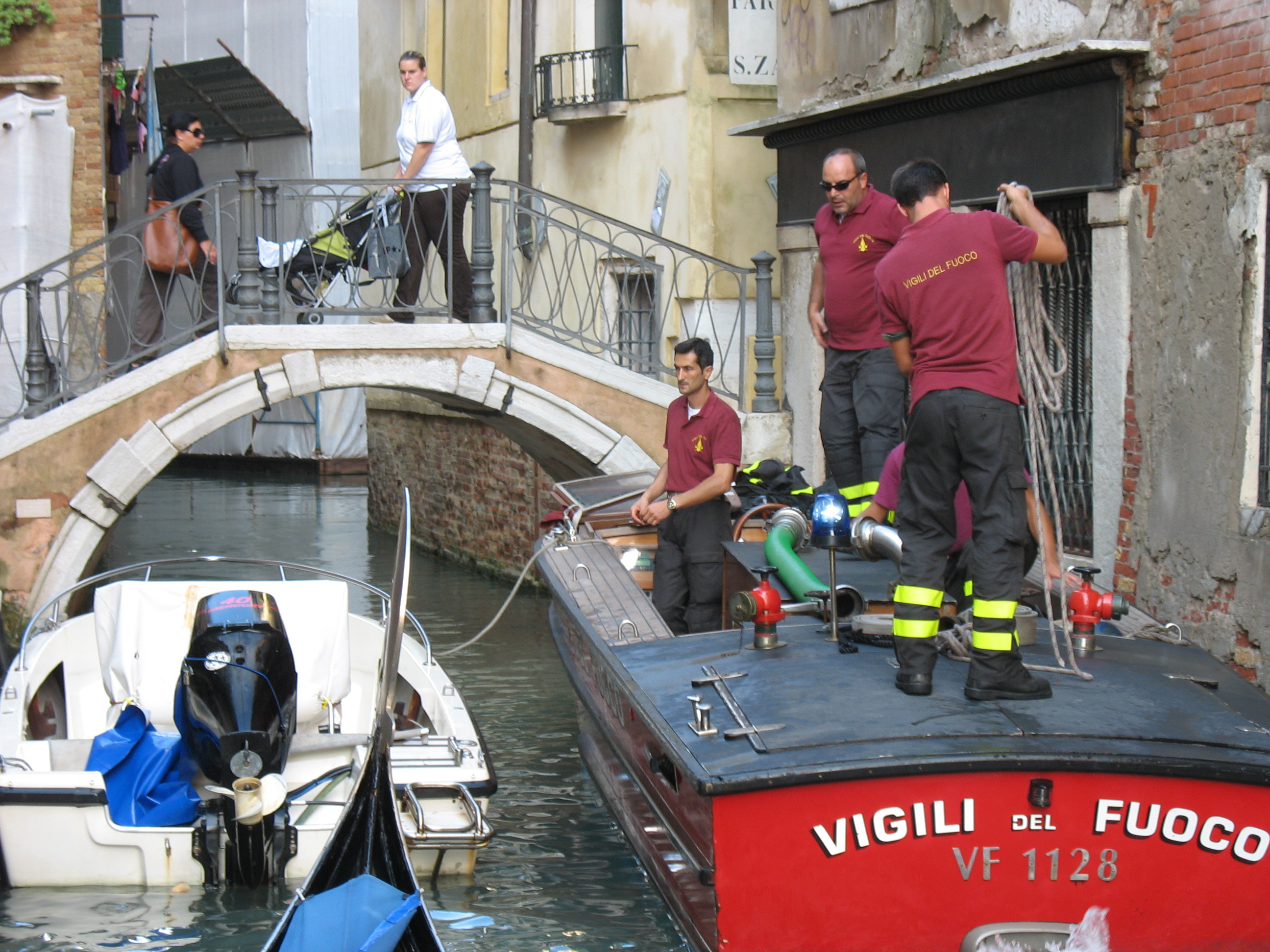 Venice fire team to the rescue
